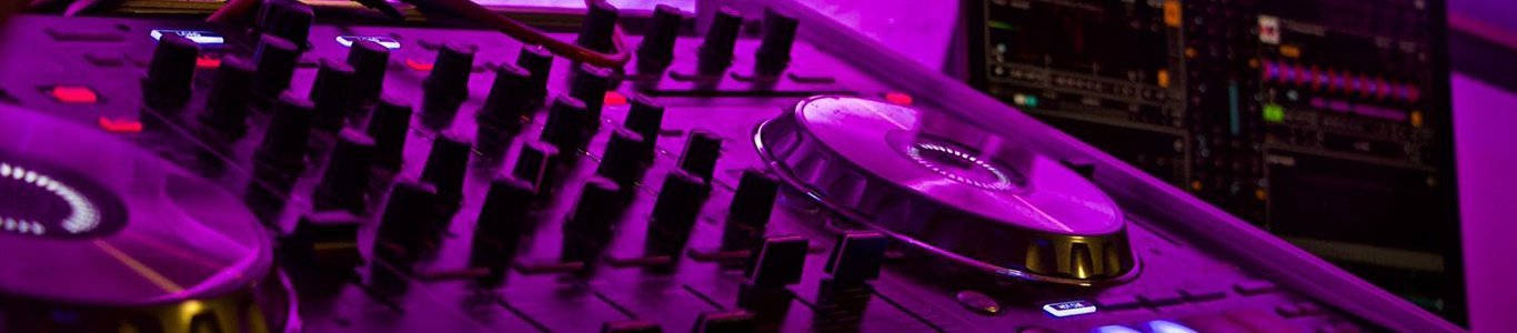 DJ Set Entertainer